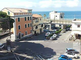 Casa vacanza 50 m dal mare, centralissima., Belvedere Marittimo