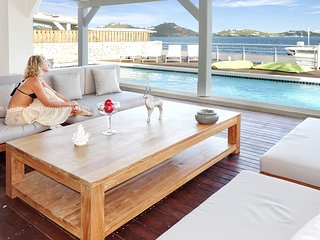 3 bedrooms contemporary villa, full lagoonview located just near Maho SXM, Baie de Simpson
