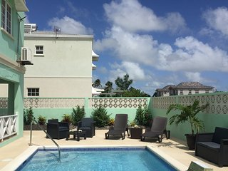 Breezy, Beautiful Bajan Villa, Oistins