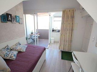 Oizo apartment in Castelo with WiFi, airconditioning, priveterras & balkon.