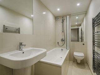 Second en-suite bath/shower room.