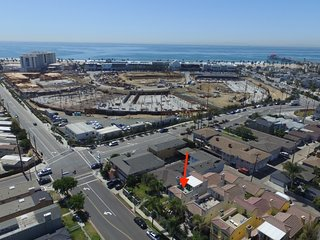 (#255) Surf and shop Dreamland. Steps to Main ST. Beach and Pacific City, Huntington Beach