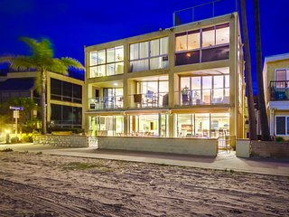 ON THE SAND 6br+5.5ba in heart of Mission Beach!!!, San Diego