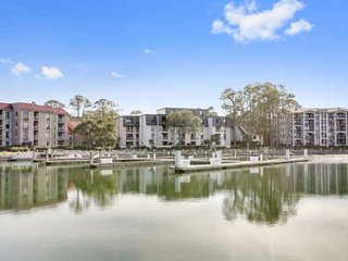 Harbour Town Gem!  Totally Renovated 3BR/3BA with AMAZING Harbour Town Marina