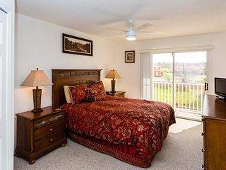 Lake Berkley Kissimmee Dream Vacation Townhome Rental Close to Disney