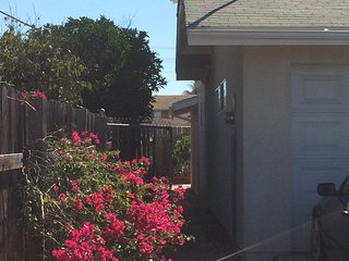 About 1,100 sf, close 2 Downtown; Coronado; Beaches & TJ ;))   INDEPENDENT