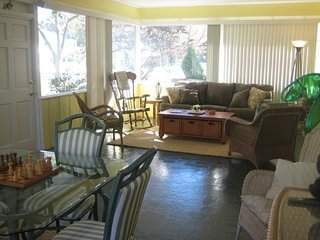 3 Blocks to Beach, 1 Block to Town, Private Pool, Rehoboth Beach