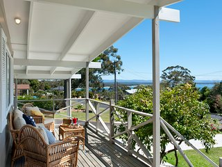 Beautiful Jervis Bay beach cottage with ocean views.