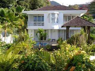 Deluxe two bedroom private villa with plunge pool 2