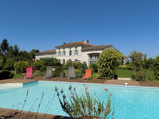 Les Tilleuls - La Grange is a spacious 4 bedroom 2 bathroom gite with large pool