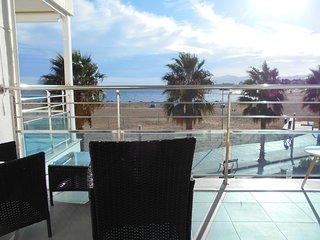 120A Apartamento con espectaculares vistas al mar
