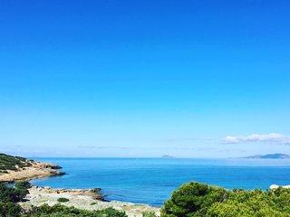 Villa  Mari   Porto Pino  con accesso privato in spiaggia