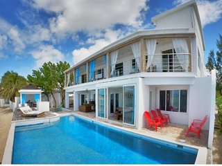 5 bedroom villa walking distance from Maho beach