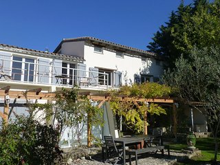 Recently renovated large holiday home, private pool, views & close to village, Fanjeaux