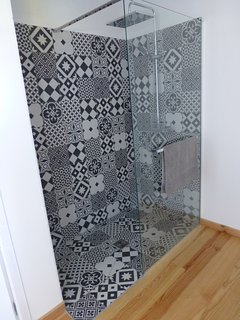 Rain shower in master bedroom en-suite bathroom