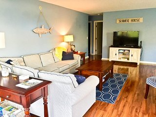 Ocean Edge Close to Arbor Pool - Sleeps 8 with A/C - EN0008