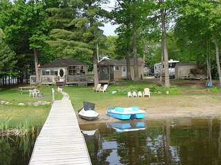 Honey Harbour - 5 Bedroom, 2 Bath Drive up Cottage, Port Severn