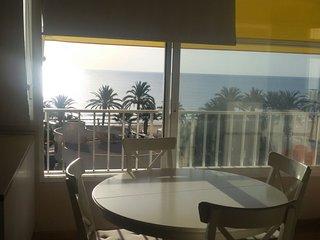 Apartamento vistas al mar . Urbanova