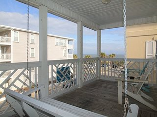 South Beach Ocean Condos - South - Unit 5 - Small Dog Friendly - FREE Wi-Fi, Tybee Island