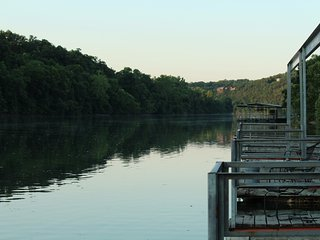 Driftwater Resort (Cabin #10 ) on Lake Taneycomo