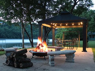 Driftwater Resort  (cabin 9) on Lake Taneycomo