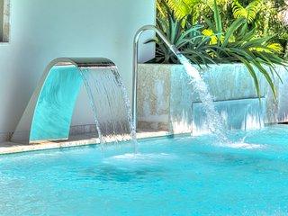 Sirena Blue Luxury Beachfront Villa
