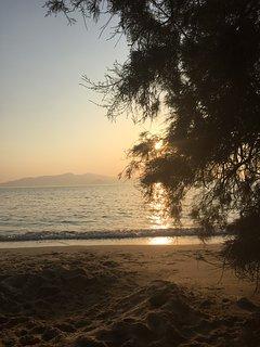Depis bay villa- 3 bedroom plaka beach with sea view