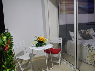 Maarif rue Atlas,Loft neuf,wifi,climatisation reversible,balcon,Twin center 2min