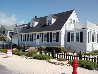 OBie's Oceanside Classic Cape Cod - cozy, clean, close to ocean!, Beach Haven