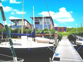 'Hafenhaus Seaview' am Jachthafen mit Seeblick auf das Lauwersmeer