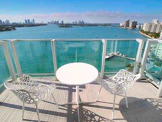 1100 West Bay View Balcony Penthouse 26L16, Miami Beach