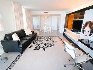 1100 West 02L8  City View Balcony 1.5 bath Suite
