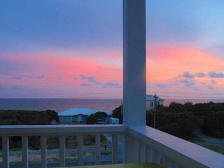 Seabreeze Cottage #45 - Stylish Beach Home in Seacrest! Views of the Gulf, Seacrest Beach