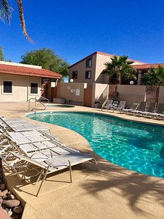 Heated Pool & Hot tub Year round!