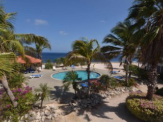 Oceanfront Bungalow 3 BR 3 Bath W/Glorious Views!