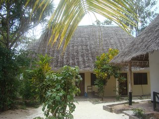 NUNGWI SATURN ALL INCLUSIVE & BUNGALOW 1 P FAN, Nungwi