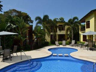 Amazing, Luxury Villa - 1 Block Off The Ocean, Walk To All Amenities, Herradura
