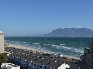 Amazing panoramic views, 2 bedroom beachfront!