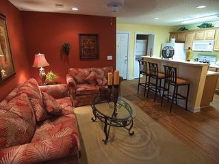 2 bed apartment, sleeps 6, set in beautiful surroundings, golfers paradise., Murrells Inlet