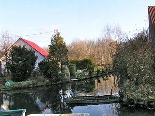Lovely house with garden and water access in the swamps near Saint-Omer, Tilques