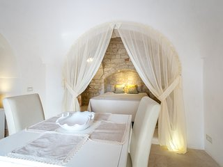 PARADISE TRULLO with olistic MASSAGES and YOGA.