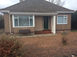 Detached bungalow overlooking Monifieth golf course, four miles from Carnoustie.