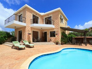 Villa Julieann, 3 Bedroom Luxury Villa