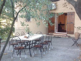Catalan style Villa Mathilde with beautiful gardens, pool, parking and free wifi, Bouleternere