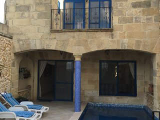 Stunning House of Character with Private Pool & Views!, Nadur