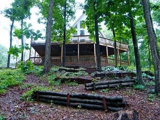 Crane Hill - Smith Lake Alabama Rental House-I-65-Broadband-Sleeps 24