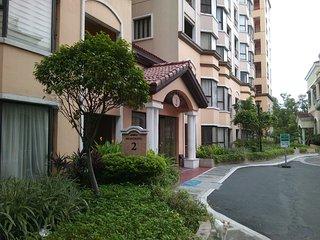 2Bedroom Apt near Resorts World Manila/ Airport T3