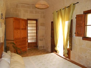 Double Room in traditional Farmhouse B&B, Gharb
