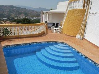 Villa del Sol, privat Pool, fantastic sea views, WiFi, A/C, Garage, Almuñécar