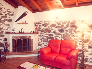 Casa Los Hinojales & Enchanted Garden, La Tierra del Trigo